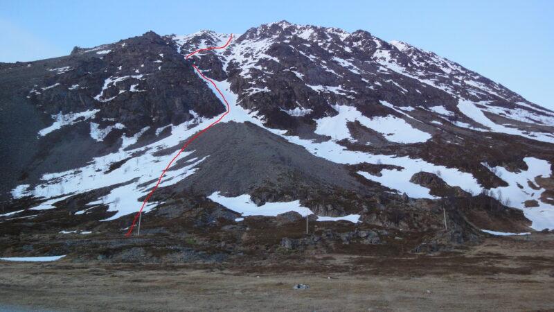 """""""Russelv direct couloir"""" NO Russelvfjellet 817m S5-E3-46° 2006-04-24"""