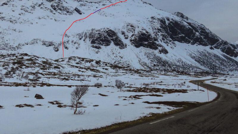"""""""Vikjordtinden direct"""" NO Vikjordtinden 599m S5-E2-52° 2020-04-17"""